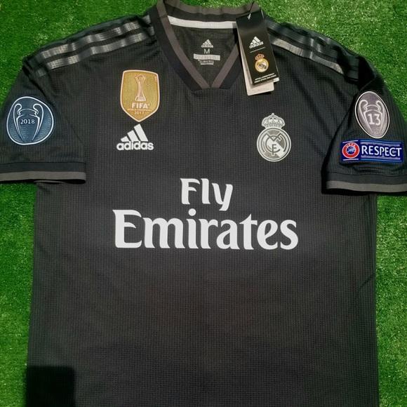 15c8c50cf84 18 19 Real Madrid away soccer jersey Isco